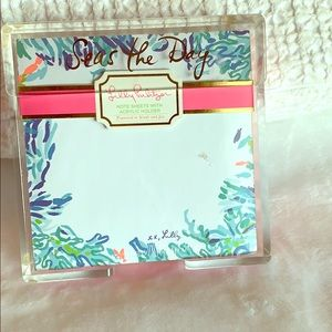 Lilly Pulitzer Note Sheets with Acrylic Holder💗🌴